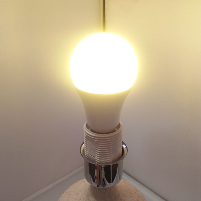 SMART LIGHTING BULB A60RGBCX- NEVER BEEN THIS EASY